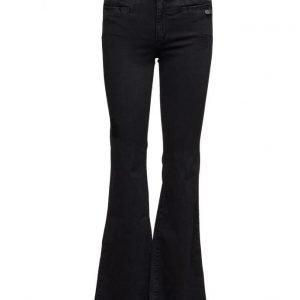 ODD MOLLY Janis Black Stretch Flare Jean leveälahkeiset farkut