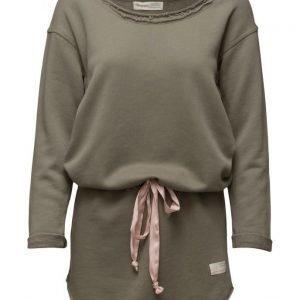 ODD MOLLY Mind Rinse Long Sweater svetari