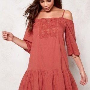 ONLY Guntal Off Shoulder Dress Marsala