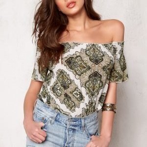 Object Nevada Off-Shoulder Top Dried Herb