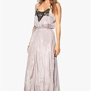 Object Scarlet maxi dress Ashes Of Roses