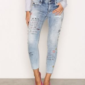 Odd Molly Groupie Cropped Jeans Loose Fit Farkut Mid Blue
