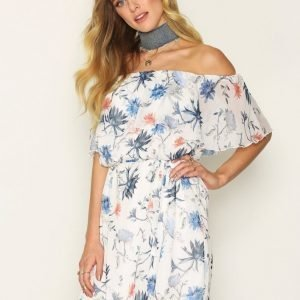 Only Onlaura Offshoulder Short Dress Wvn Loose Fit Mekko Valkoinen