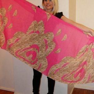 Pinkki printtihuivi
