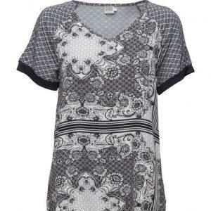 Saint Tropez Printed T-Shirt Blouse lyhythihainen pusero