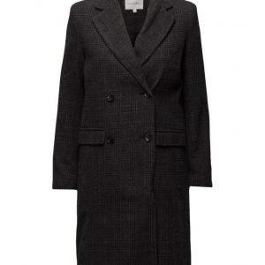 Second Female Erna Coat villakangastakki