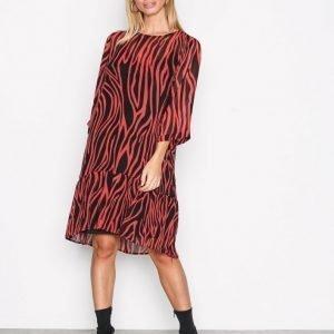 Selected Femme Sfaggy 3 / 4 Dress Ofw Loose Fit Mekko Punainen