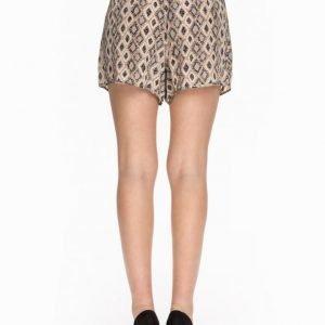 Selected Femme Sfsami Shorts