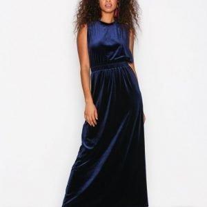 Selected Femme Sftanne Sl Velvet Maxi Dress Ofw Maksimekko Tummansininen