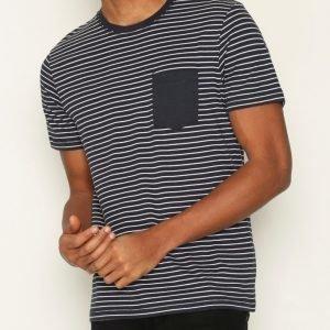 Selected Homme Shdivan Ss O-Neck Tee T-paita Tummansininen