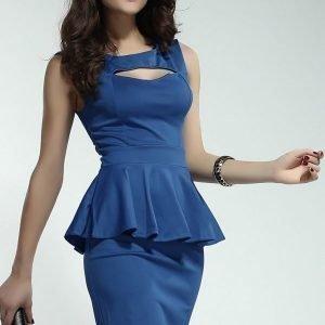 Sininen peplum-mekko