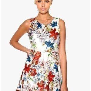 Sisters Point Geta-9 Dress 101 White/flower