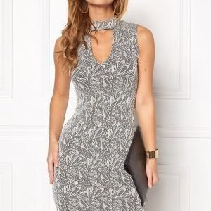 Sisters Point Gexi Dress Black/Cream/Gold