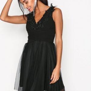 Sisters Point Nine Dress Kotelomekko Black