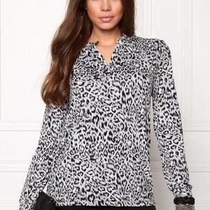 Soaked In Luxury Jade Shirt Grey Leopard Print
