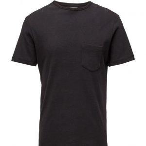 Soulland Aw16 Forever Basic T-Shirt W. Pocket lyhythihainen t-paita