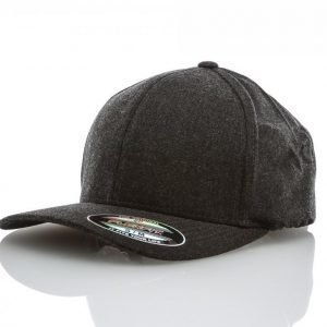 State Of Wow Cash Earflap Flexfit Cap Lippis Musta