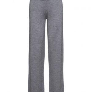 Stylein Ruphert leveälahkeiset housut