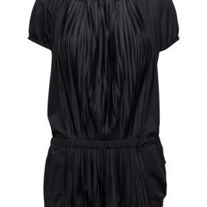 Sunseeker Pleated Off-Shoulder Jumpsuit haalari