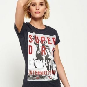 Superdry Box Photo City Copenhagen T-paita Musta