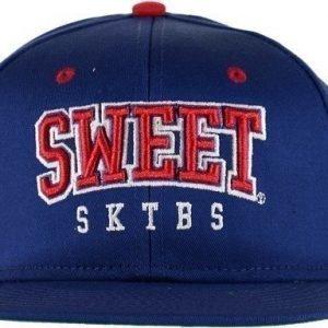 Sweet 90 Arch Snapback Lippis
