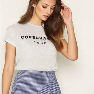 Topshop Copenhagen T-Shirt T-Paita Hopea