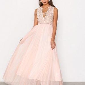 True Decadence Lace Detail Maxi Dress Maksimekko White