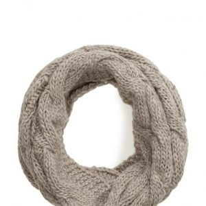 UNMADE Copenhagen Cable Knit Snood huivi