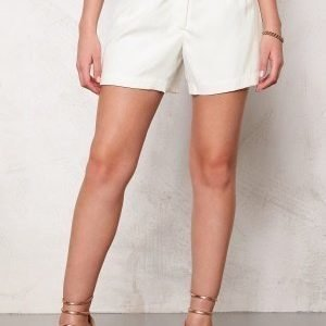 VILA Ellie shortsEllie shortsEllie shorts Snow WhiteSnow WhiteSnow White