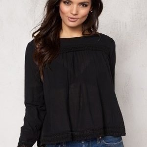 VILA Extended Top Black