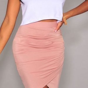 Vaaleanpunainen wrap-minihame
