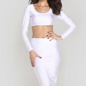 Valkoinen lyhyt paita + midihame