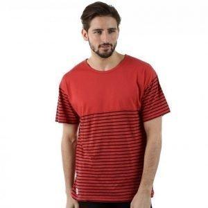 Wesc Hilarius T-paita Punainen