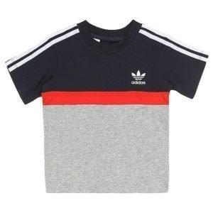 adidas Originals T-paita